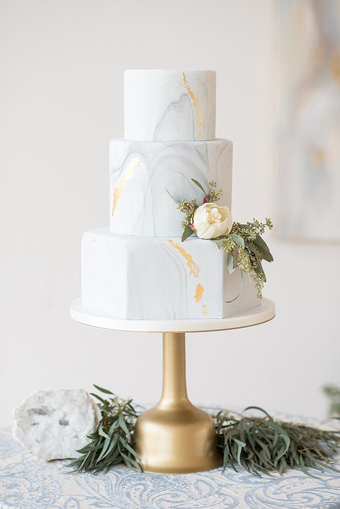elegant-blue-and-white-wedding-inspiration-Mikkel-Paige-Photography-Glamour-Grace-21.jpg