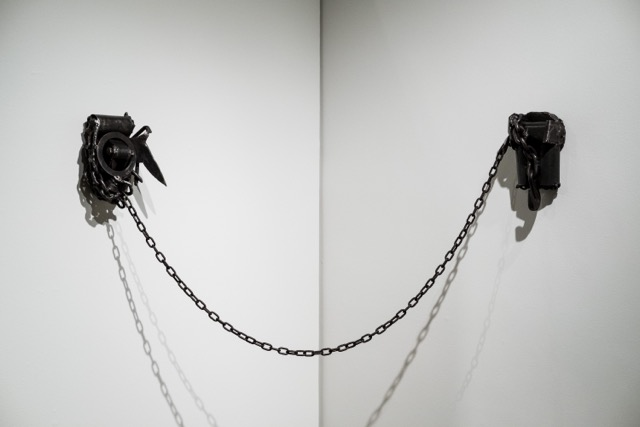 Melvin Edwards, Two is One, 2016 Welded steel and chain Courtesy Alexander Gray Associates, New York © 2017 Melvin Edwards/Artists Rights Society (ARS), New York