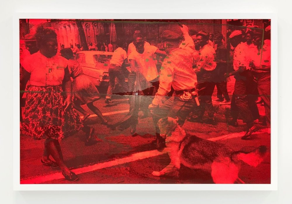 Hank Willis Thomas, Protect and Serve (red and gold II) © Hank Willis Thomas. Courtesy of the artist and Jack Shainman Gallery, New York.