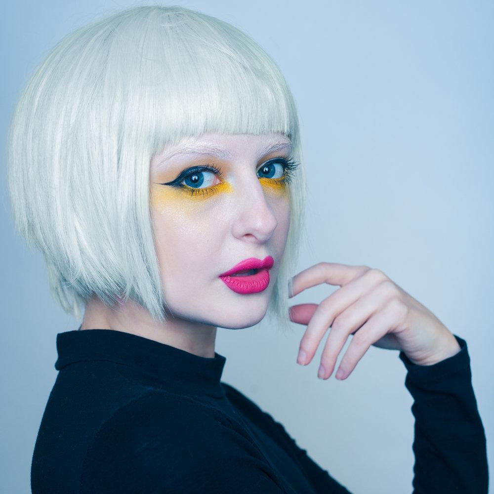 Alicia Pomarzynski as model/MUA