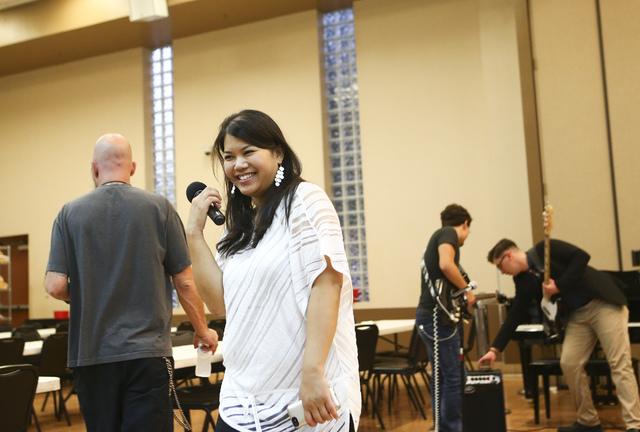 Executive Artistic Director Alexandria Le announces at the Las Vegas Rescue Mission. Photograph: Chase Stevens (Las Vegas Review-Journal)