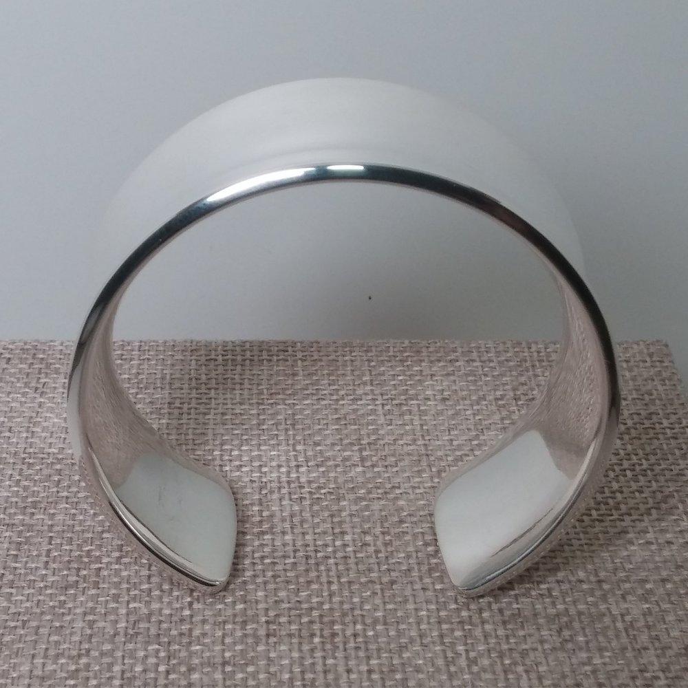 Classic Cuff - Concave Bend
