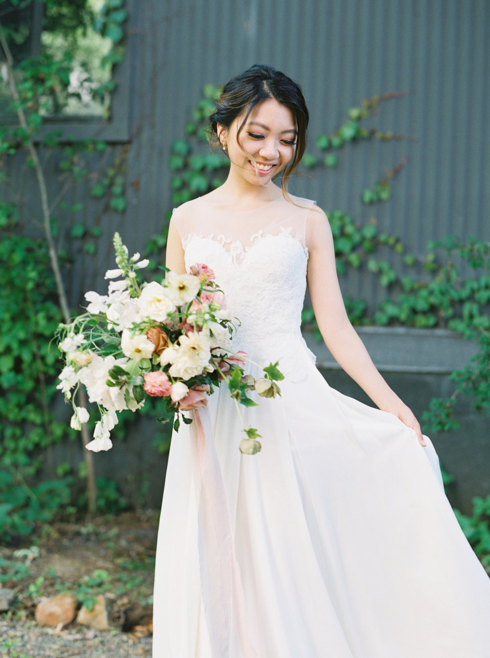 How I Planned My Wedding: Finding a Wedding Dress.    The Harrison by Sarah Seven.    Natalie Choi Events. Meiwen Wang. Lambert Floral Studio.