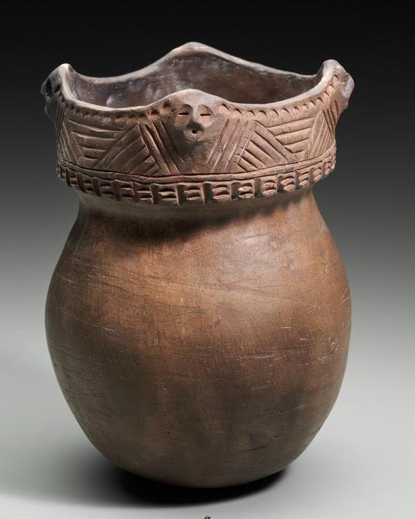 2-Peter_B_Jones_1993_Effigy_Pot_Clay_7.125_MFA_Boston.jpg