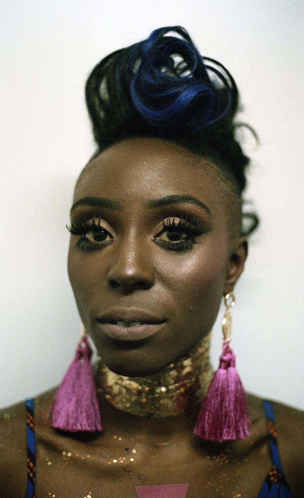 Laura Mvula, performer