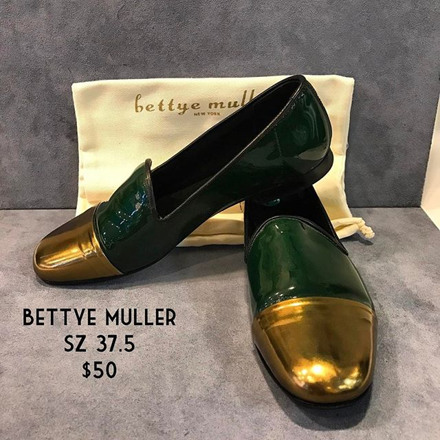 Bettye Muller Loafers Size 37.5 $50 #consignment #chicenvy #forsale #fairfaxcorner #bettyemuller #fashionista #shoesforsale