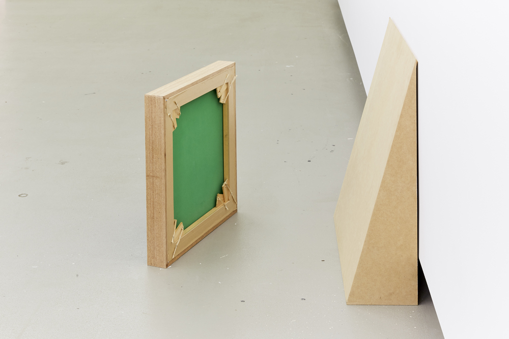 Verso, (backside), 2016. Chroma-key, timber, MDF. 54 x 54 x 7cm, 70 x 70 x 20cm. MFA final presentation. Installation view, Verso, at National Art School, 2017. Photo: Robin Hearfield