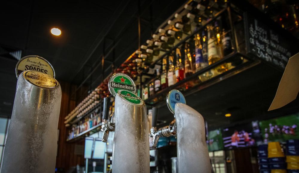 Rydges Bar (1 of 1).jpg