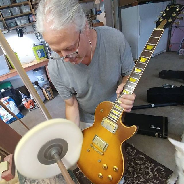 This is Dr. Jay... ..he's the only feller on this here rock Spinnin around the sun that I will let touch my Les Pauls. ...stopped in today to give a much needed spa treatment to the ladies.. Jessie, Charlie and Stella are looking great and ready for the show... Thanks Jay!!