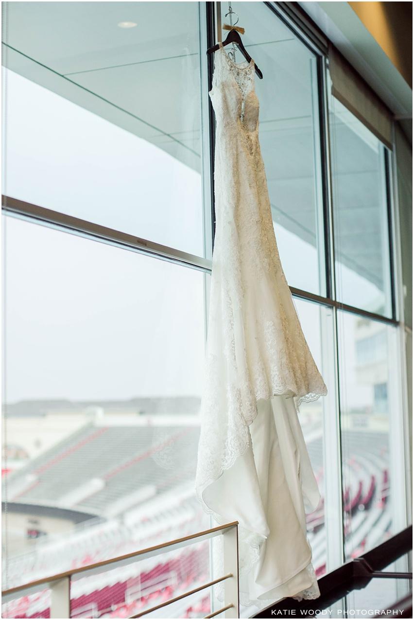 Caron + Bo :: Lubbock, TX Wedding Photographer :: First Baptist ...