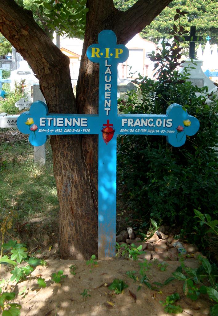 blue grave (2)
