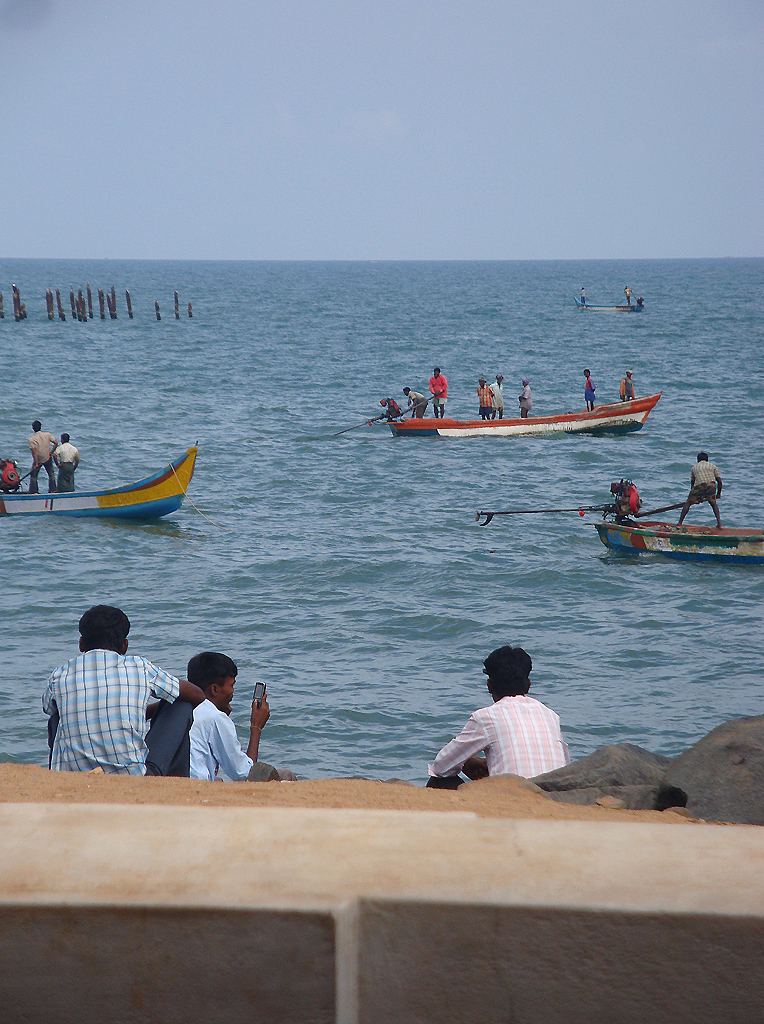 crowded-sea1.jpg