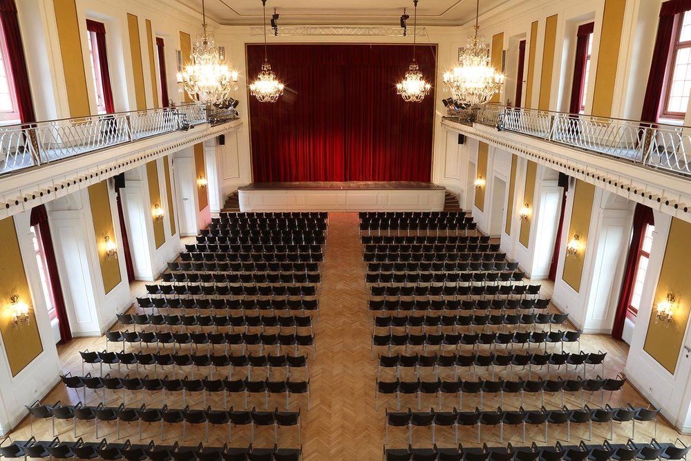Großer Saal bestuhlt (60) verkleinert.jpg