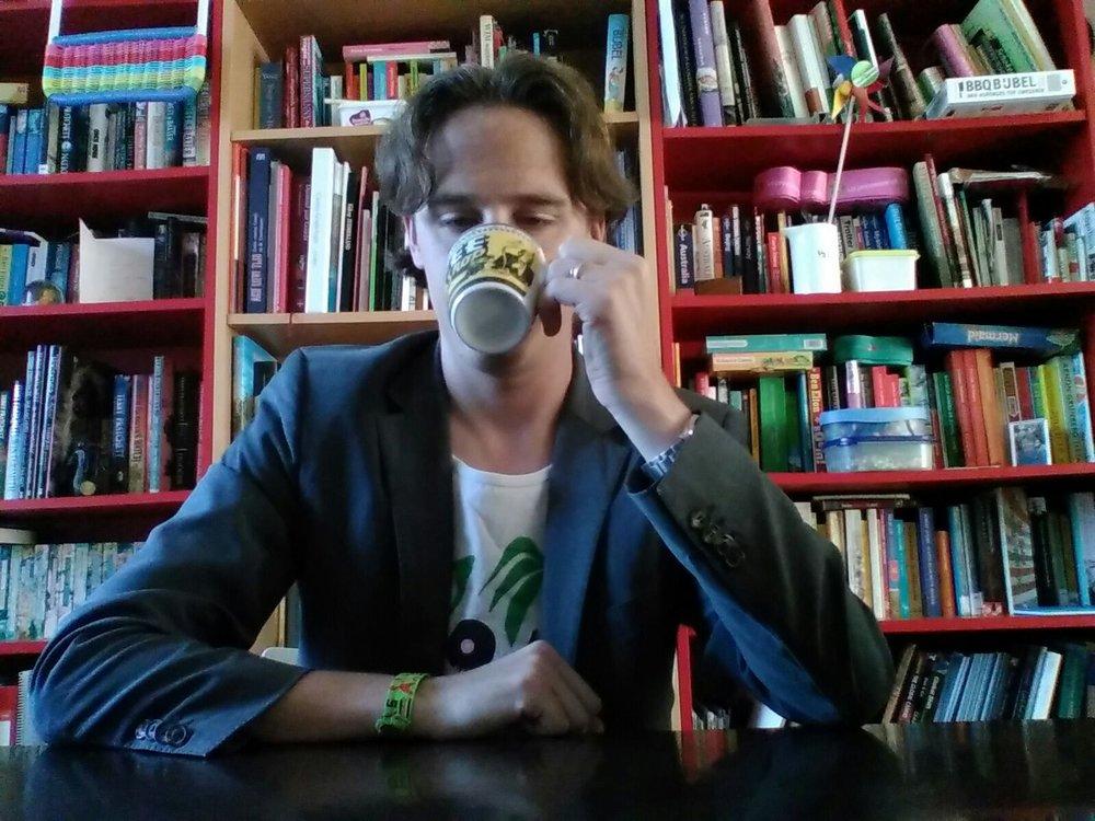 """Volgens Michel Klijmij moeten we niet vergeten dat """"debatteren leerlingen leuker en slimmer kan maken, maar ook juist vervelender als ze wordt geleerd om ten koste van alles hun gelijk te halen.""""    Behoefte aan meer advies bij het oprichten of begeleiden van een debatclub? Stuur gerust een bericht naar  Alexander Schinkel ."""