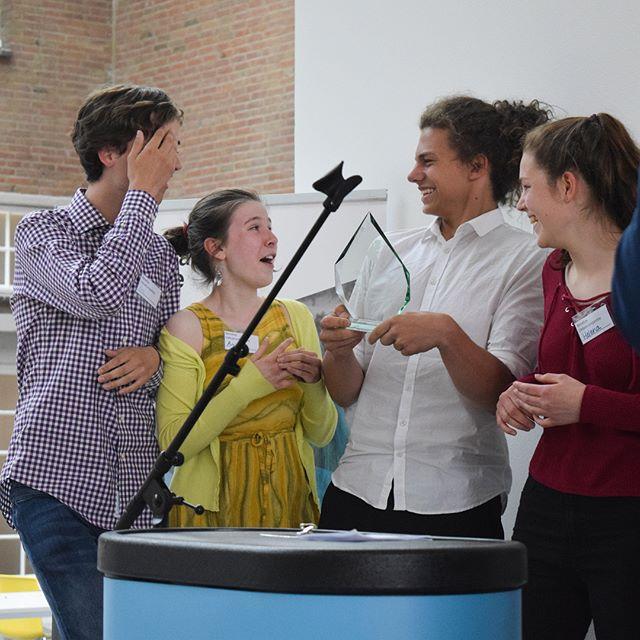 Dank aan Het Nieuwe Lyceum voor het mogelijk maken van een prachtig Benelux Debattoernooi! Alle uitslagen en foto's staan online op www.facebook.com/debatunie  Op zaterdag 23 juni a.s. zal de Finaledag van de Benelux Debatcompetitie plaatsvinden. Hopelijk tot dan en anders tot de volgende competitie.  #debat #beneluxcompetitie #hnl #hetnieuwelyceum #bilthoven #debatunie #rosaklamer #debattoernooi  Fotografie: Rosa Klamer