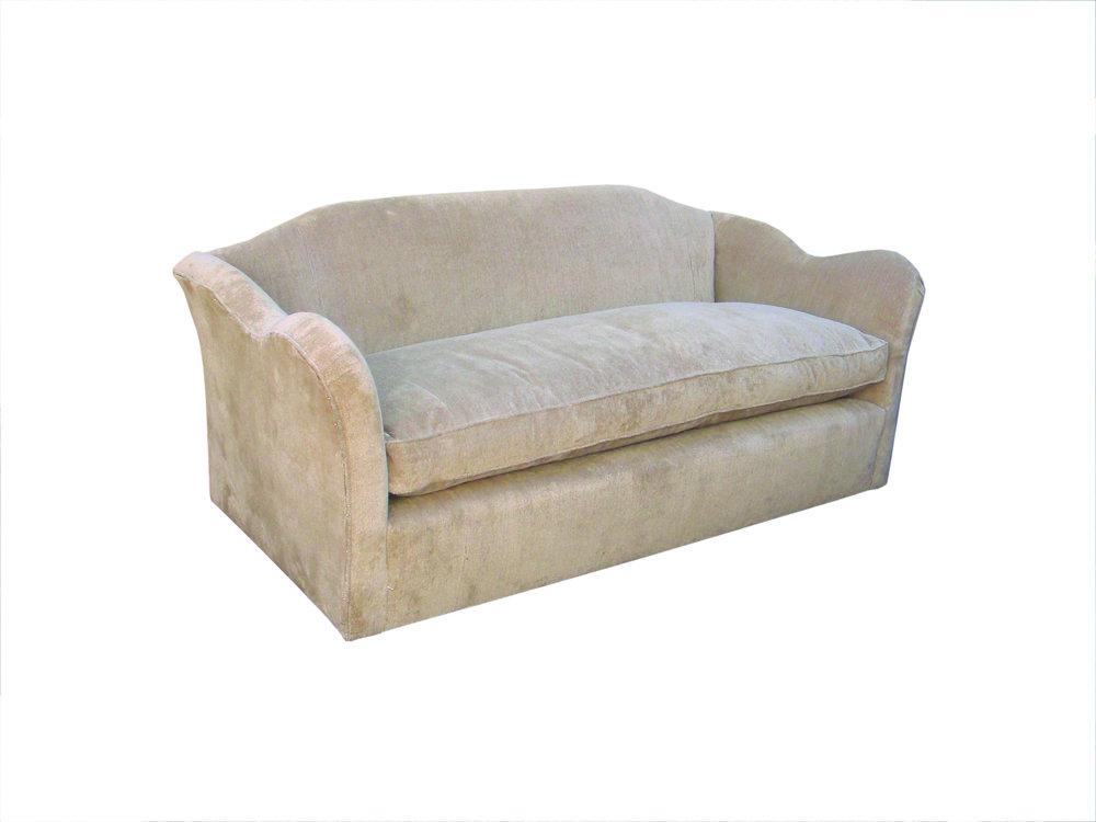"Sofa with arms like ears - an ""eerie sofa"""