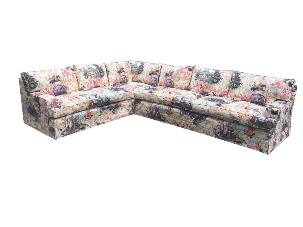 Highgrove corner sofa with 4 seat and 7 back cushions
