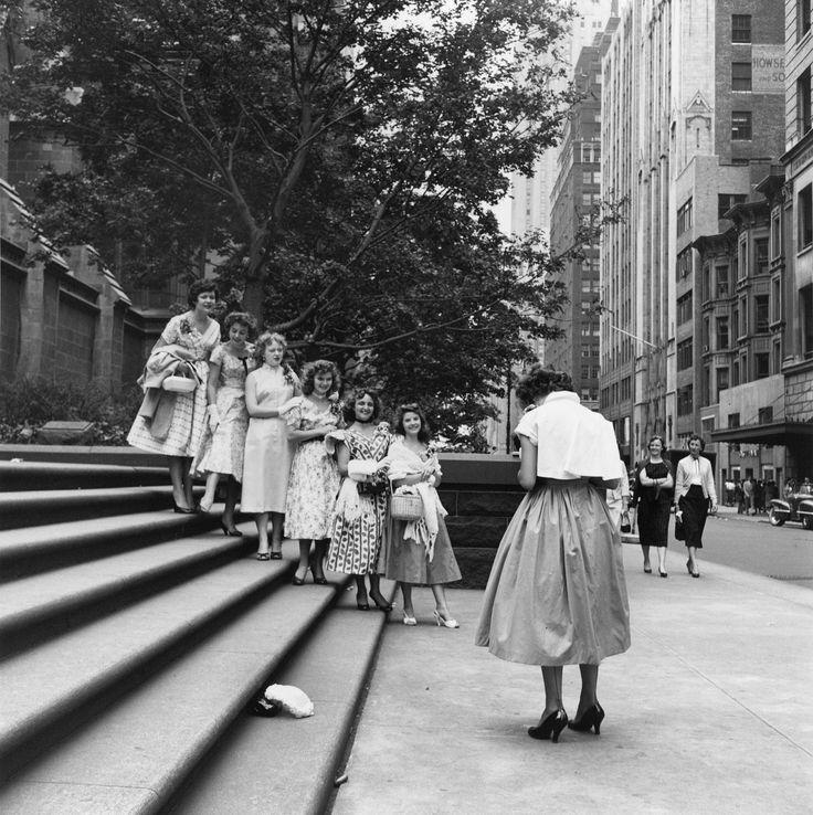 454438ad44929291865e9661e53b3778--vivian-maier-white-dress.jpg