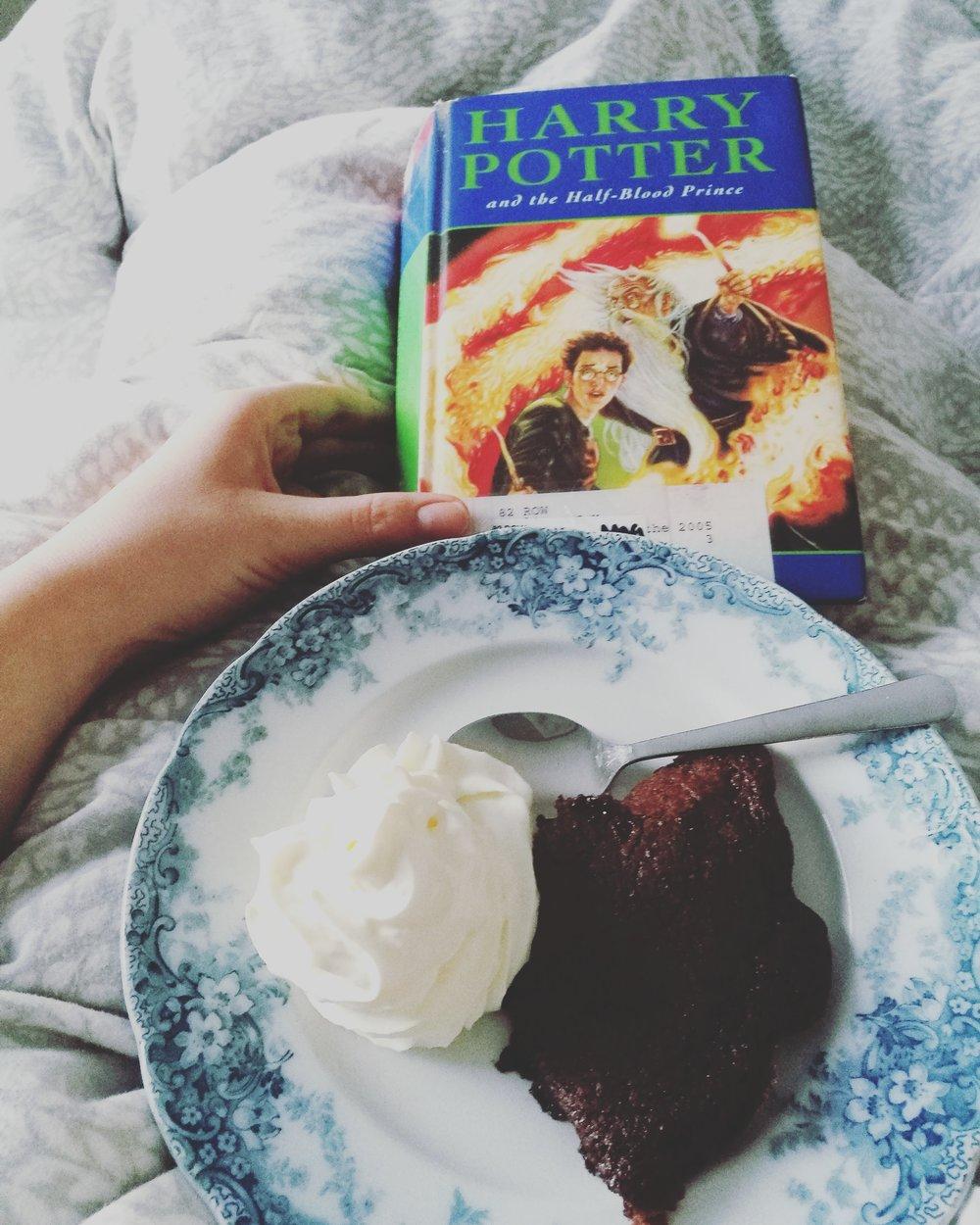 Når man bare må høre på seg selv og ta med seg brownies og boka i senga og bli der resten av dagen.