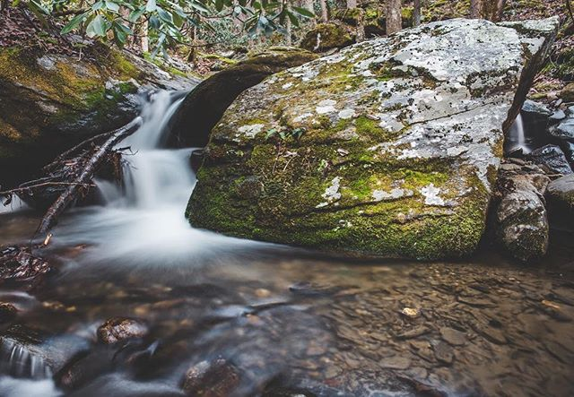 Certainly need more of all this in my life.  I may enjoy photographing mountain rivers and streams more than anything. Just the process of moving along with the water, finding new designs is so enjoyable. . . . . #teamcanon #vsconature #vscocam #visitnc #letsgosomewhere #rei1440project #awesomeearth #earthfocus #exploretocreate #longexposure #northcarolina