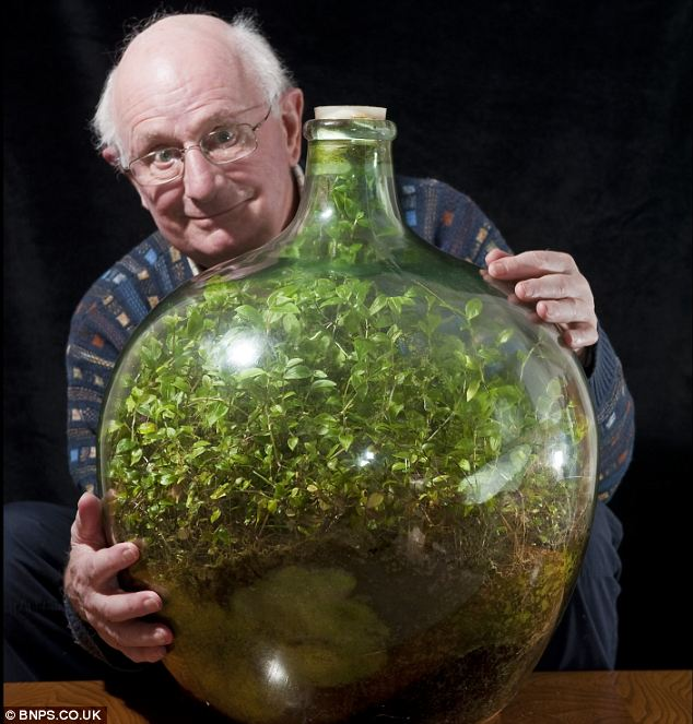 From the Daily Mail (ugh).  This man clearly loves his biosphere.
