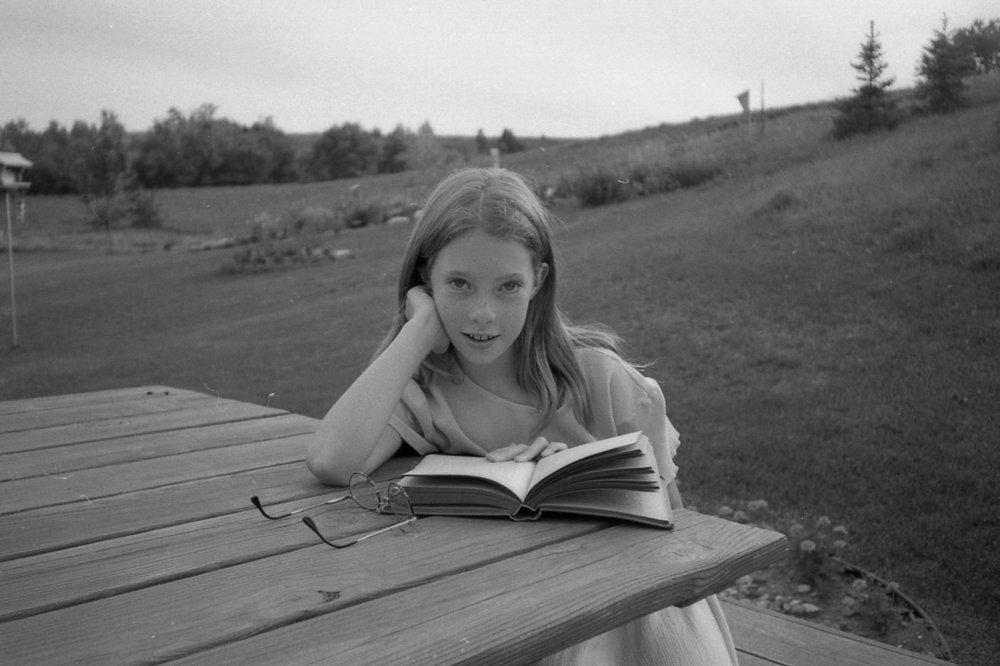 annie books 1997 backyard pics141 1.jpg