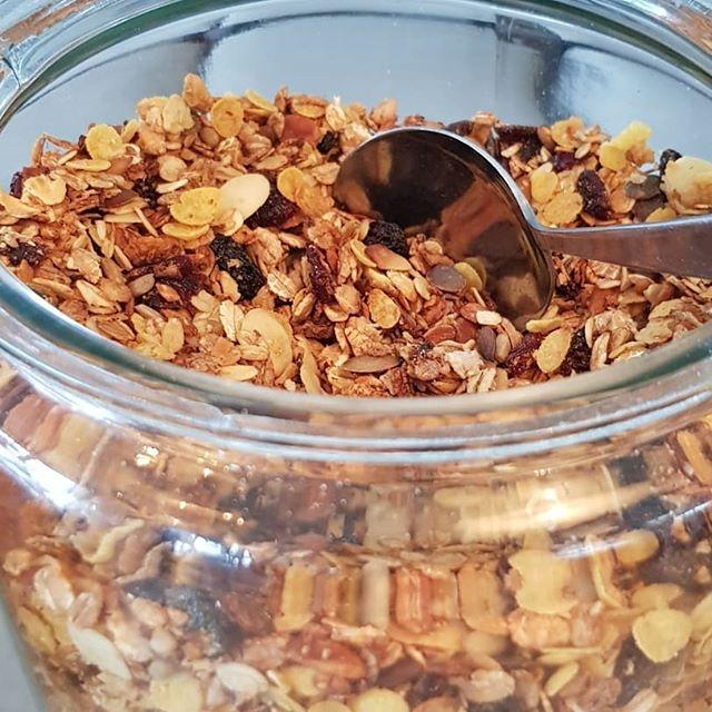 Introducing: Daniels Sporty Healthy Granola & Stinas Pickled Cucumber.  #BestWestern #Eriksberg #hotelvillan #breakfast #frukost