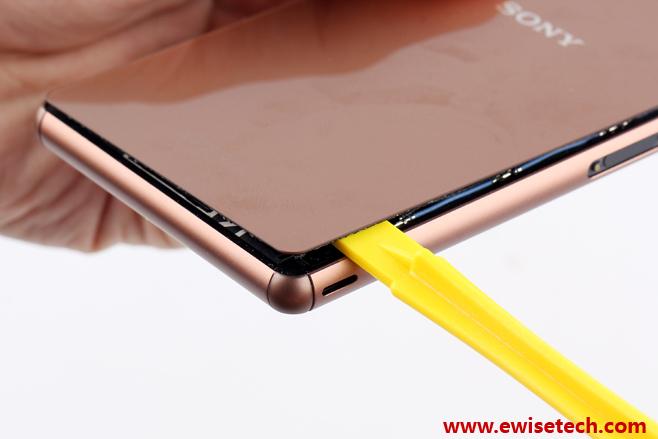Sony-Xperia-Z3-teardown1.jpg