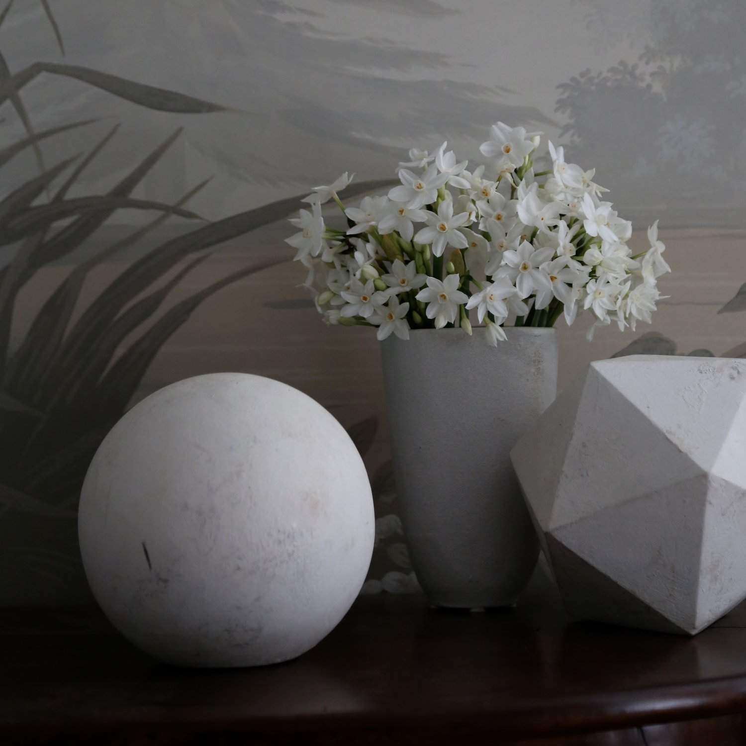 Geometric shapes by Amy Meier. Classical Interior Designer Amy Meier. #geometric #classical #decor #vignette #lightgrey