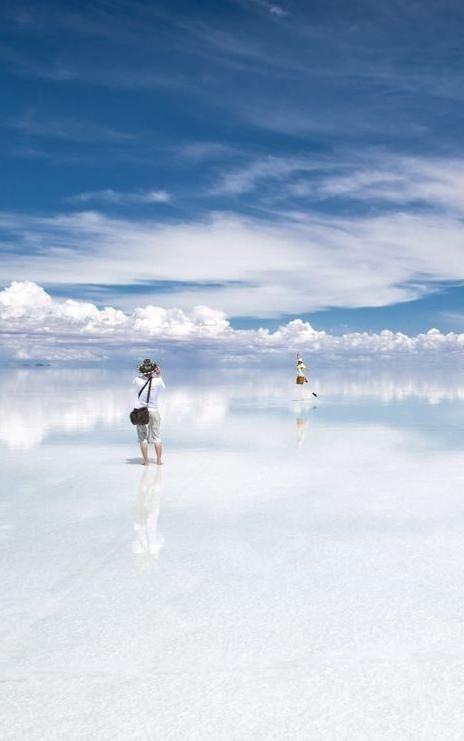 Salar de Uyuni, Bolivia  Credit:  defactasap.tumblr.com