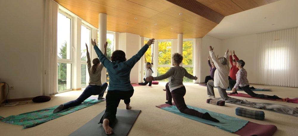 Yoga REGINA TROIS EPIS.jpg