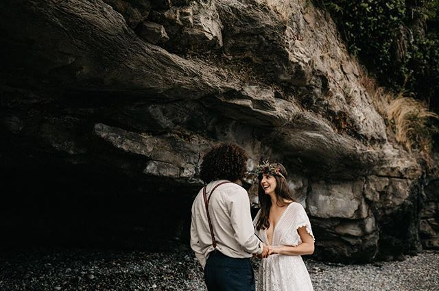 Getting married in 2019?  We only have a few open weekends left this summer. So it is the perfect time to reach out and start the process of booking wedding flowers before we are fully booked!  Photo from @kimjayweddings  from our Sombrio Elopement Shoot published in @dirtybootsandmessyhair