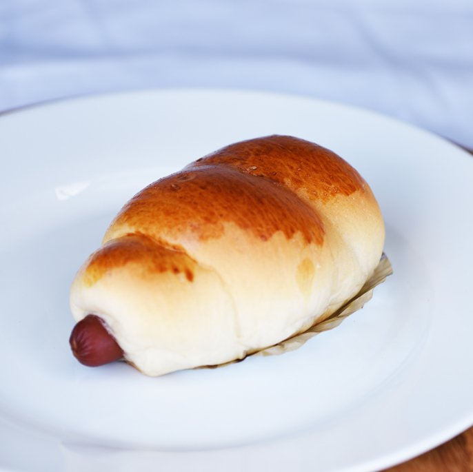 Chicken Sausage Bun 腸仔包
