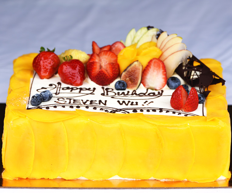 Slab Cake with Fresh Mango (Customized)