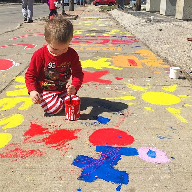 While I was at a local writers conference today, this little guy was living his best painting life at #renewthecity! 🥰🎨☀️ He's going to sleep good tonight! (I hope 🤞🏻😬) 📸: @juliette.massey 😘