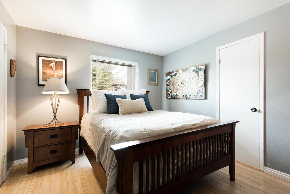 5397 guest bedroom.jpg