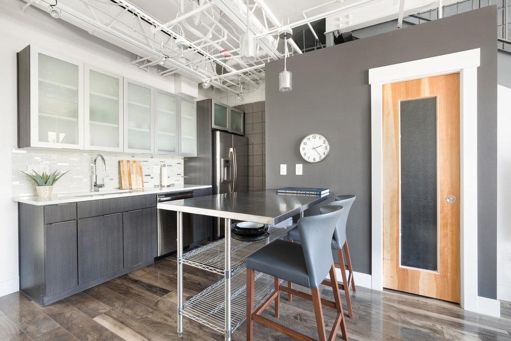360 W kitchen1.jpg