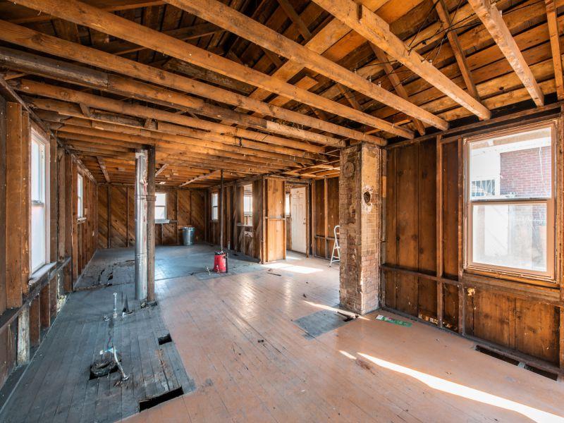1011 Kensington interior.jpg