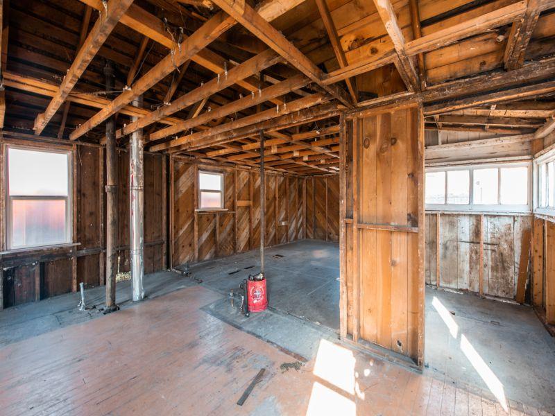 1011 kensington interior 3.jpg