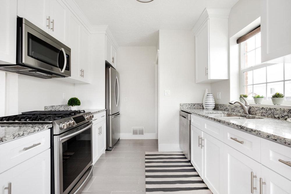 1342 Atkin kitchen.jpg