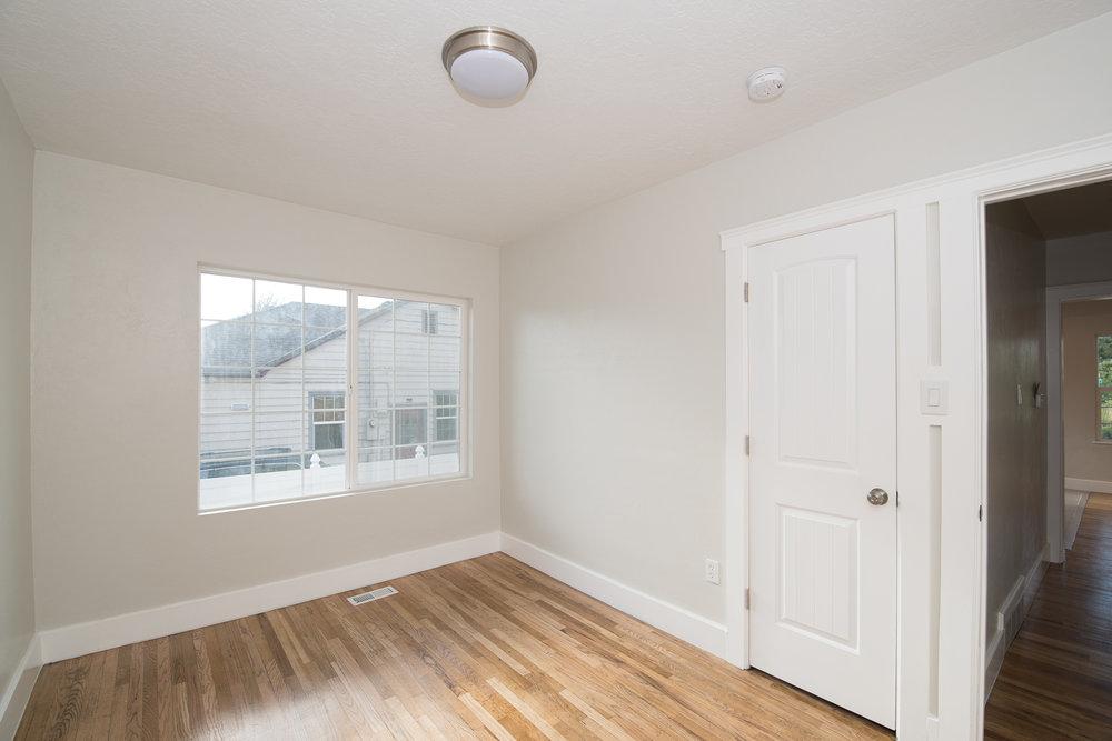 1342 Atkin bedroom.jpg