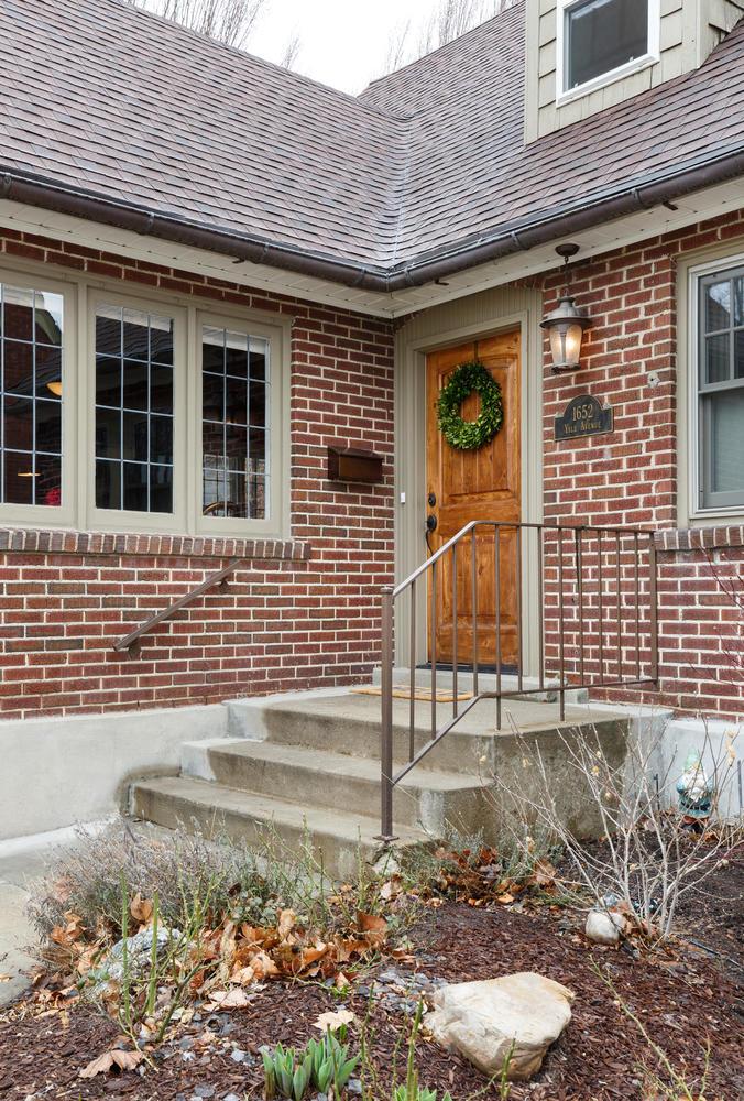 1652 yale front door.jpg