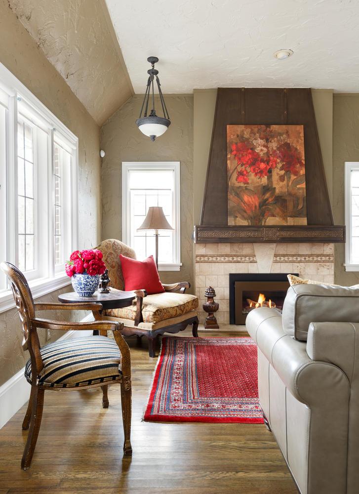 1652 Yale fireplace1.jpg