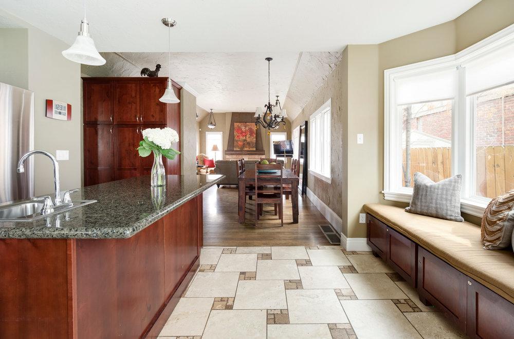 1652 yale kitchen2.jpg