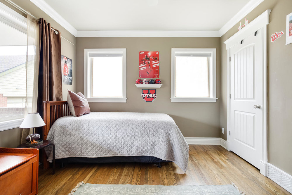 1652 yale boys bedroom.jpg