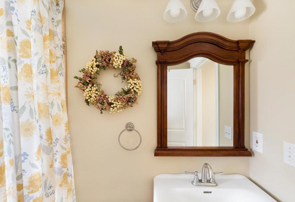 1652 yale bathroom1.jpg