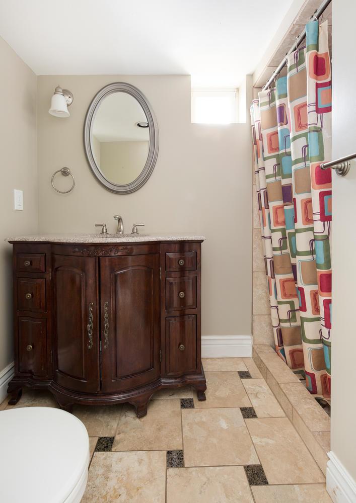 1652 yale basement bathroom.jpg