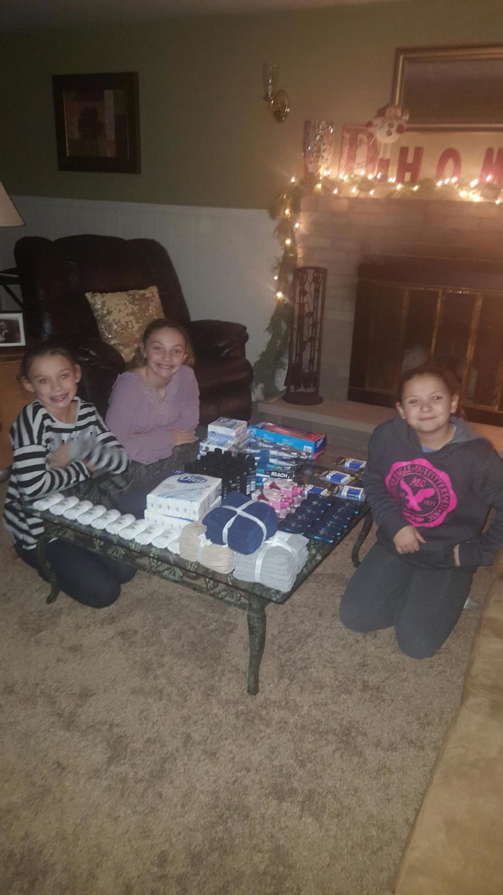 ELHPDonkin Girls sorting Light of life 2016.jpg