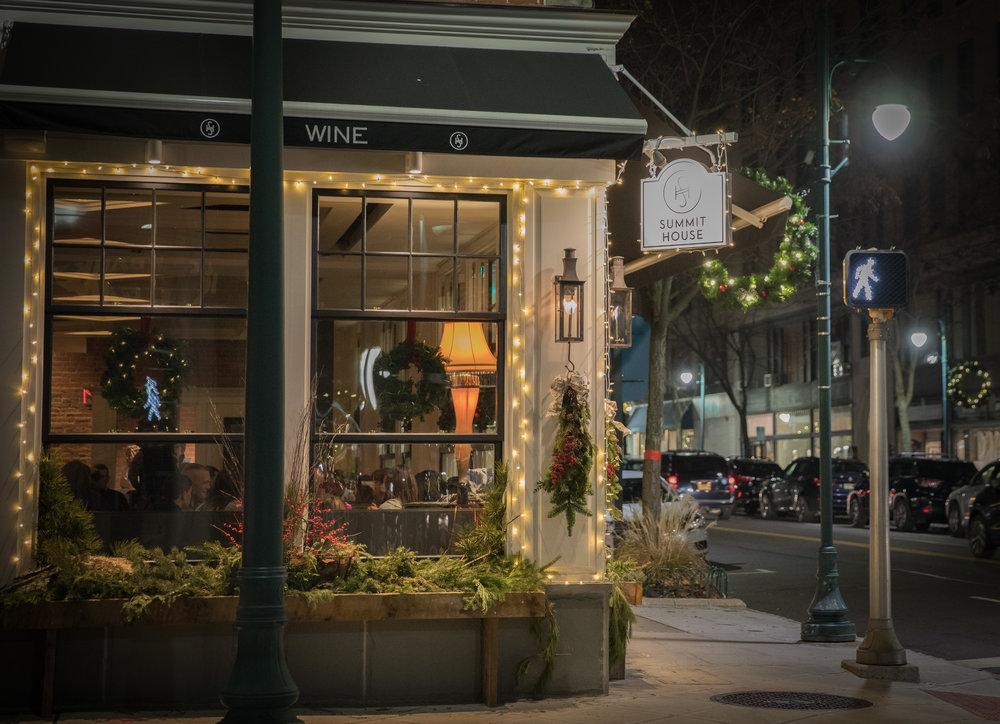 Summit House holidays outside at night_8.JPG