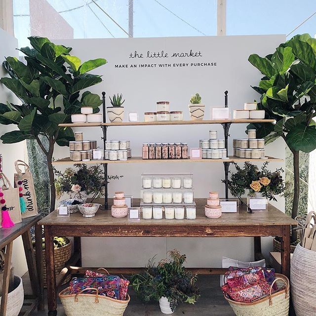 We just got home from #createcultivatela and got inspiration from so many amazing women! We are loving this retail area by @thelittlemarket 😍